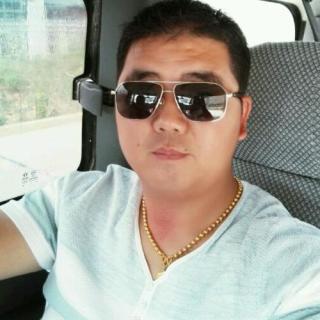描述:戴眼镜的文艺男青年 有范儿没范儿看眼镜 男生头像 01.08 12P