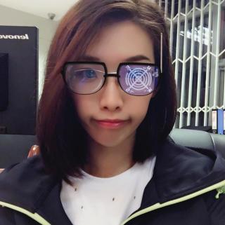 可爱眼镜小朋友图片