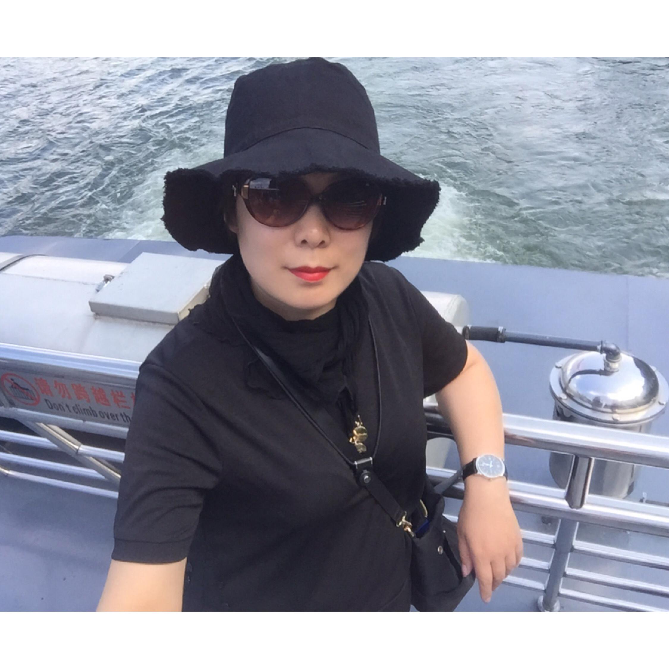 刘海燕照片