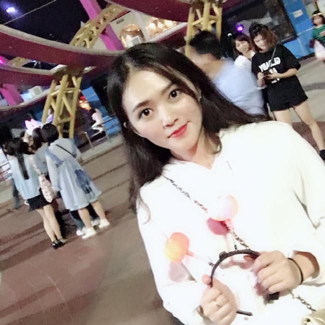 Huang照片